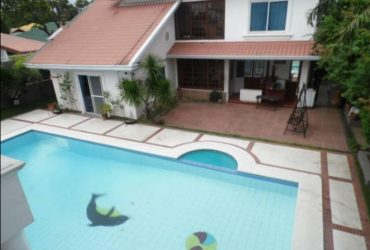 Five Bedroom with pool house and Lot for Rent in Angeles City.