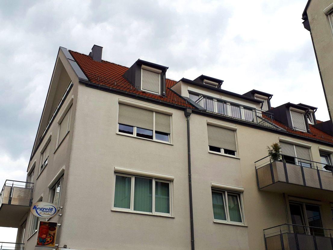 helle maisonette wohnung im dachgeschoss mit offener einbauk che und kamin search and find 24