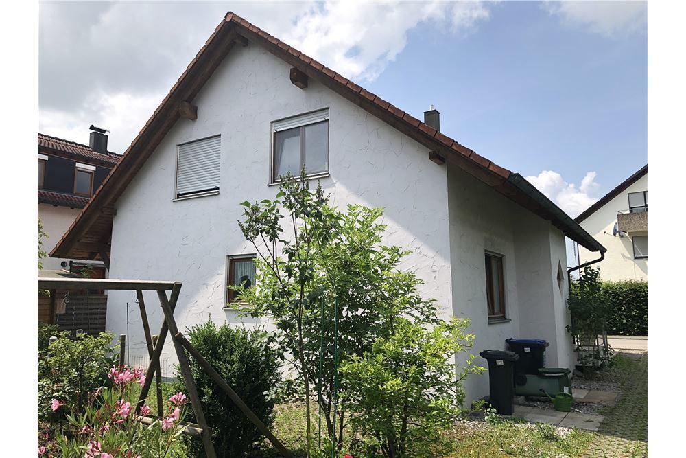 Zweifamilienhaus in ruhiger Lage von Ammerbuch
