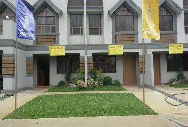 TOWNHOUSE near CALOOCAN Sports Complex