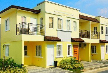 3 bedroom house with balcony car park nr school 30 min from NAIA