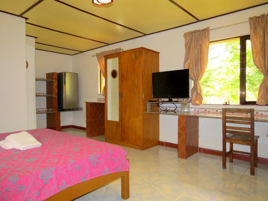 Alonaland Resort